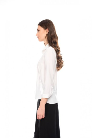 White short sleeve blouse