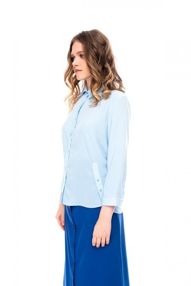 Blue blouse with a short sleeve