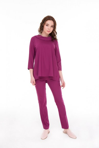 Blouse color fuchsia