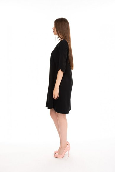 Black dress with free cut