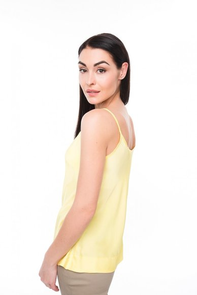 Yellow T-shirt with thin straps