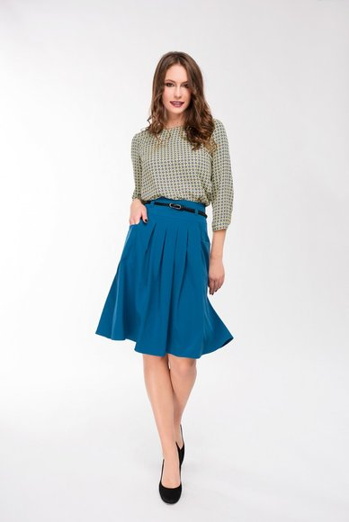 Flared skirt with pockets
