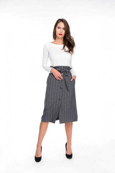 Skirt with tie