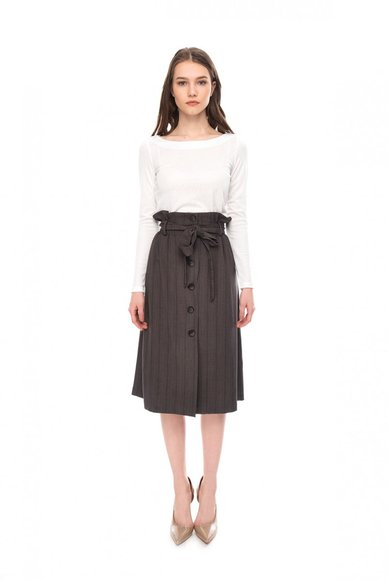 Buttoned skirt, striped