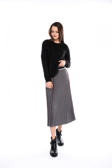 Skirt corrugated with elastic