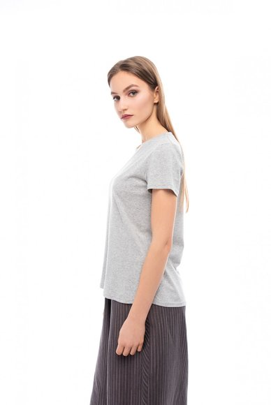 Basic gray t-shirt