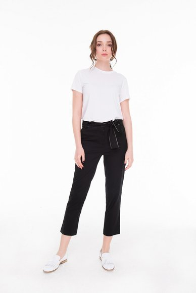 Trousers straight with a belt black colour