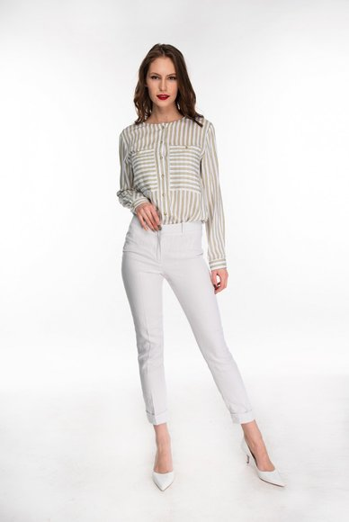 Light gray cuffed trousers