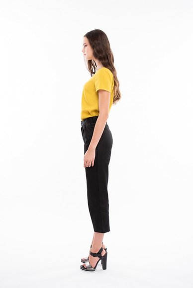 Short black trousers
